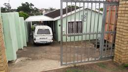 3 bedroom Property for sale in Newlands East Price: R 680 000