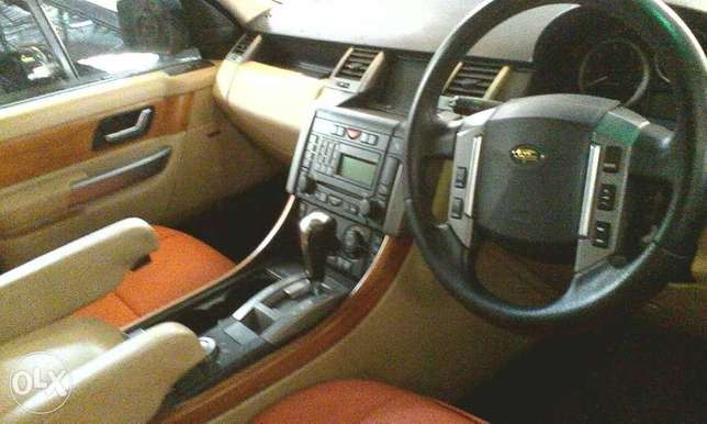 Brand new red Range Rover Sport KCN for sale at Mombasa Island Mombasa Island - image 4