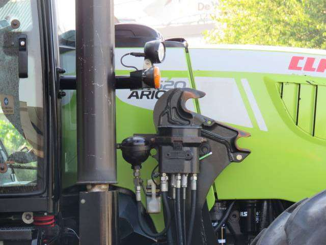 Claas Arion 620 - 2011 - image 8