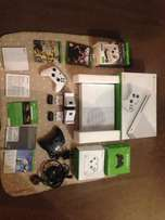 we havein color Xbox one s, 1tb boxed with4 games