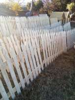 Piket fence ,dog hse