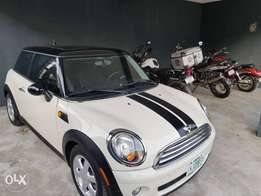 Mini cooper 2009 barely used for a give away