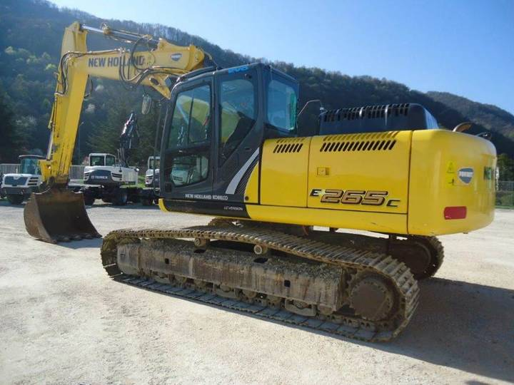 New Holland E265clct - 2014 - image 2
