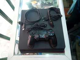 Playstation 4, ps4 second hand slim in very good conditon