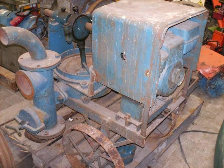 Bernards 674 oldtimer  motor pump