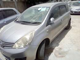 Nissan Note 2010 Silver!! KcN