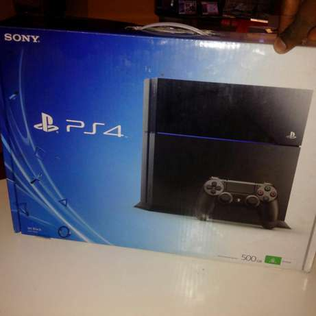 Play station 4 with local warranty available Nairobi CBD - image 1
