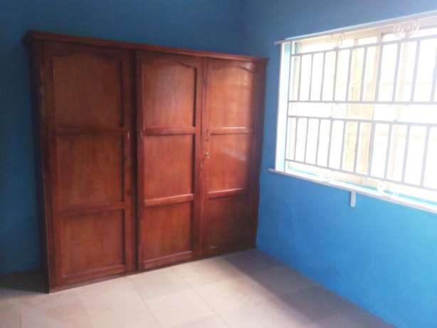 Lovely renovated 2 bedroom flat all tiles floor wardrobe at Baruwa Alimosho - image 5