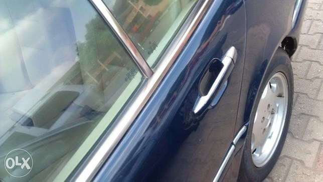 mercedes benz in a clean shape just a buy and drive Asokoro - image 4