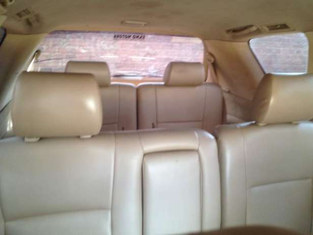 Nissan xtrail with perfect engine new tyres with perfect engine Kampala - image 4
