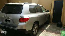 Clean 2011 Toyota Highlander Limited