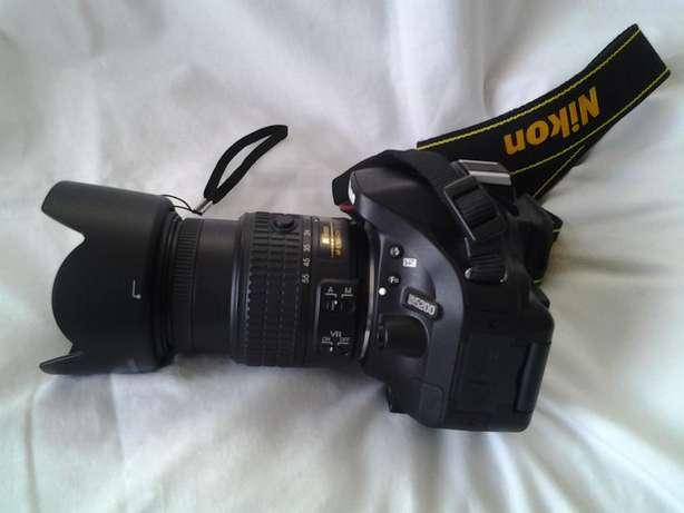 Almost Brand New Nikon D5200 with 18-55mm VR II Lens Miramar - image 2