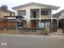 FOR SALES 6 rooms up, 6 rooms down with 2 bed up and down at ringroad,
