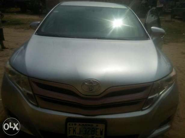 very clean Toyota Venza 2013 with full option Apapa - image 1