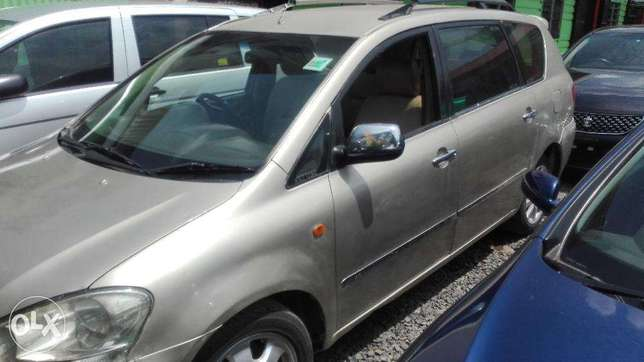 Toyota picnic super clean 7seater auto buy and drive 2000cc Hurlingham - image 2