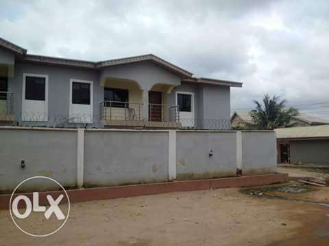 Solid 2Wings Of 4Bedroom Duplex With BQ At Bucknor Estate Ejigbo Isolo - image 4