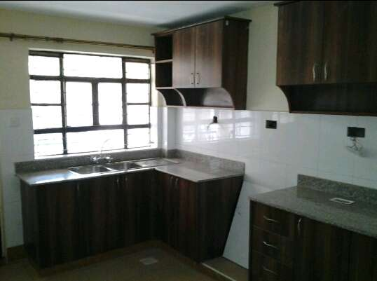Exquisite 2bedroom to let at Garden Estate Ridgeways - image 1