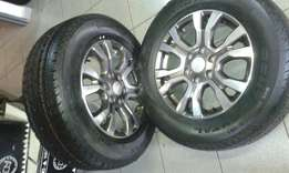 Set of 18 inch ford ranger with new tyres