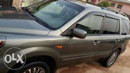 Extremely clean and sound Honda pilot 2007 for sale
