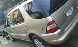 Super Clean 2003 Mercedes-Benz ML 350 Selling at 1.3m Negotiable