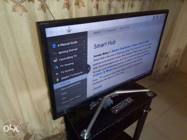 "Recent Ultraslim SAMSUNG F. HD 32"" SMART with built-in Wi-Fi, miracast Alimosho - image 5"