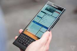 """LATEST Blackberry PRIV """"android"""" 32GB in box TO SELL OR SWOP"""