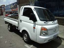 2006 model hyundai h100 2.7diesel,white,145 000km,for sale