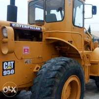 Foreign use Cat 950C Payloader for sale for N15m