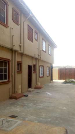 Executives new 2bedroom 230k and 3bedroom flat 350k with 4t at igando Igando/Ikotun - image 1