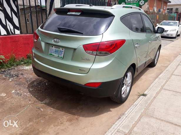 Super clean vehicle Hyundtai ix35 2012model Ikeja - image 1