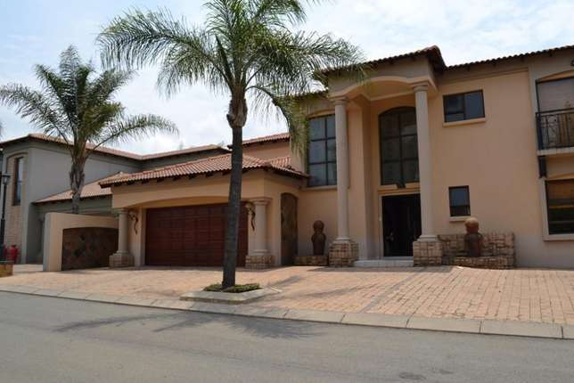 Home is were your story begins,this is a once in a lifetime opertunity Sunward Park - image 1
