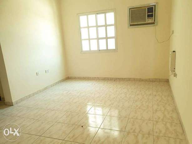 2 BHK Flat For Rent Bin Omran Near Green mosqe