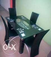 Four seaters quality dining table