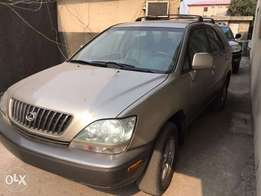 Lexus car rx 300 toks location ajah lekki