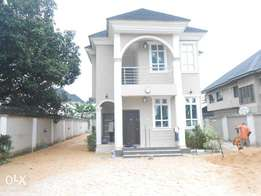 5 bedroom duplex