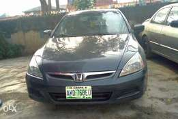 very clean Honda 2005 with AC
