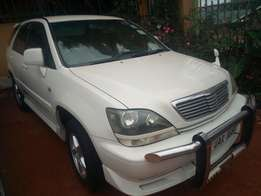 Toyota harrier model 1999 white colour in excellent condition 2200cc