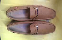 Valacci Loafers carton brown new