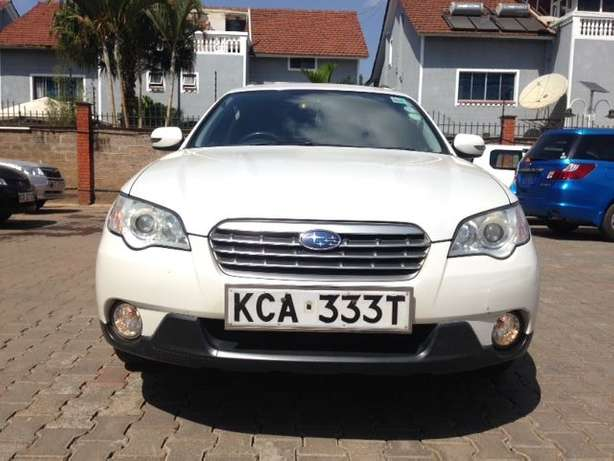 Very clean just buy and drive Subaru Outback on quick sell Nairobi CBD - image 2