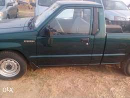 Mitsubishi pick up clean