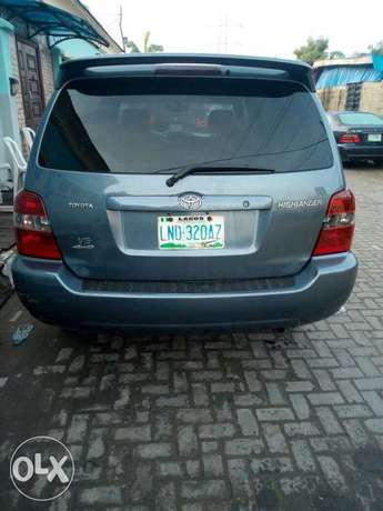 Neatly used Toyota highlander, 2006 model. Lagos Mainland - image 5