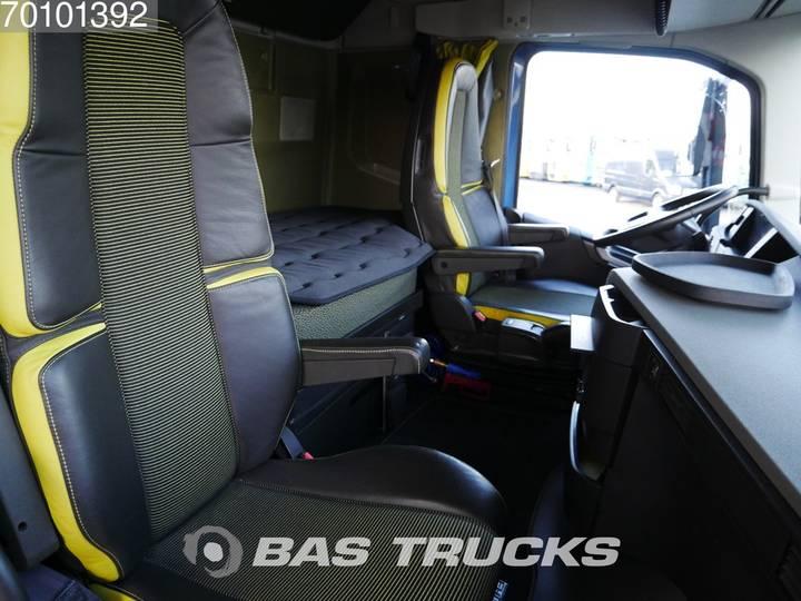 Volvo FH16 750 8X4 Liftachse+Lenkachse I-Park Cool Euro 6 - 2015 - image 16