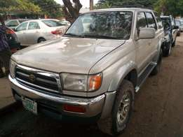 Toyota 4Runner 2000 model