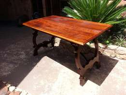Antique 4 Seater Imbuia Table (1370x830x760)