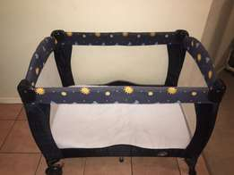 good condition cot for sale