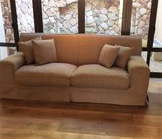 Two seater couch- GOOD AS NEW!