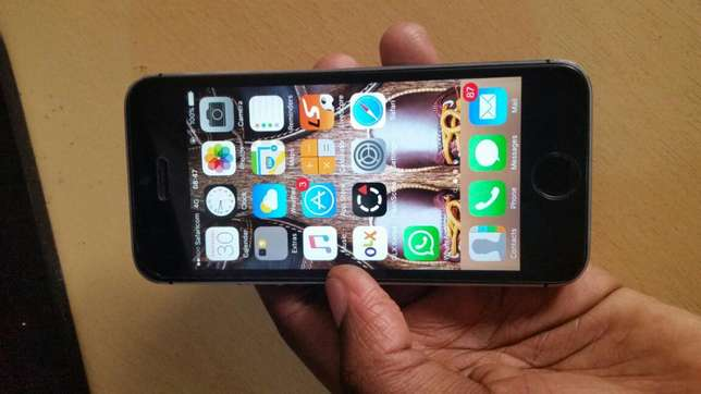 IPhone 5s 16gb (grey) 20k negotiable Donholm - image 2
