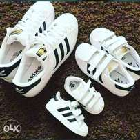 Adias superstar