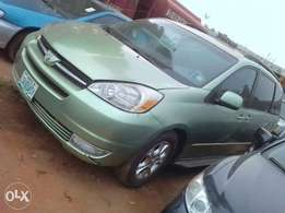 A clean registered Toyota sienna for sale, 2004 XLE.