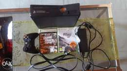 Xbox 360 250 gb with 2 games and wii console